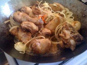 Ayam semur (smoor)